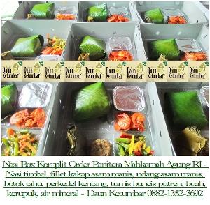Nasi kotak di Sudirman