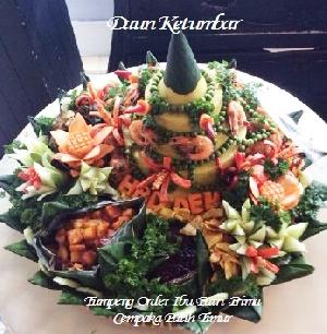 Tumpeng nasi kuning Daun Ketumbar catering Jakarta Pusat