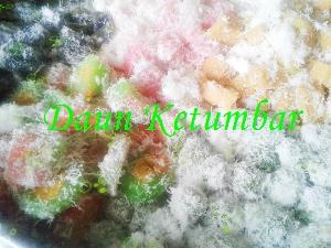 Snack Tampah Tradisional Khas Daun Ketumbar Jakarta
